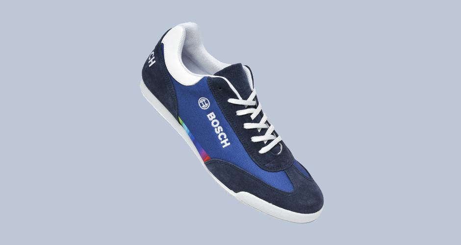 Sneaker für Firmen Myflow in Blautönen Werbeartikel Werbung auf Schuhen