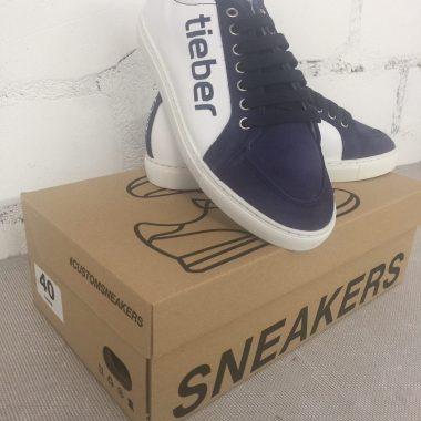 sneaker-fuer-firmen-casual-look-customized-branded